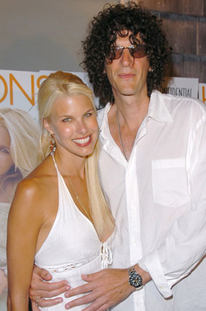 howard stern marries longtime girlfriend beth ostrosky