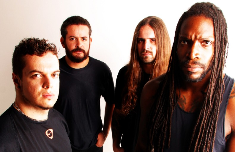 http://dietrichthrall.files.wordpress.com/2008/12/sepultura2.jpg