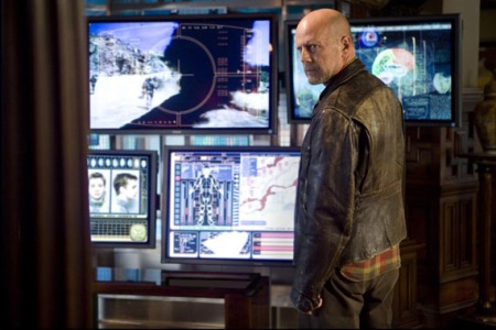 BRUCE WILLIS Stars In 'SURROGATES'