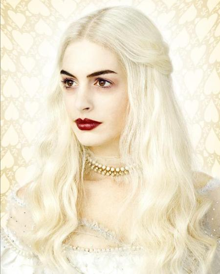 ANNE HATHAWAY - THE WHITE QUEEN