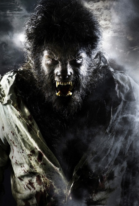 BENICIO DEL TORO Stars In 'THE WOLFMAN'
