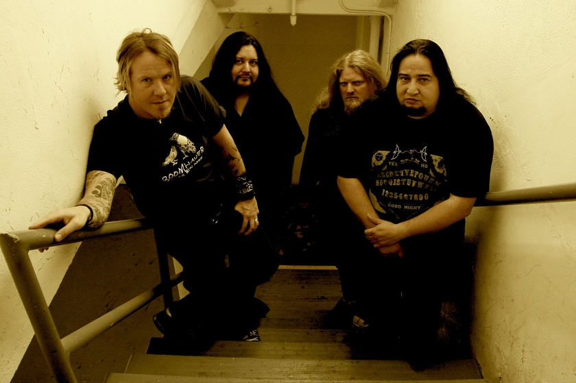 http://dietrichthrall.files.wordpress.com/2009/10/fear_factory_2009.jpg