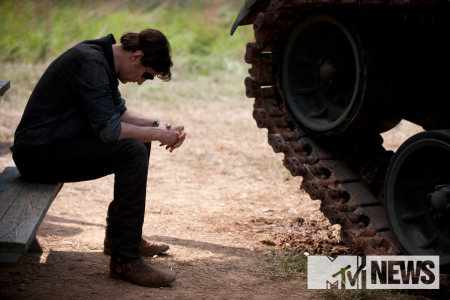 THE WALKING DEAD: The Governor and a tank.. Big trouble headed for Rick and Co.?